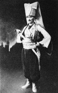 atatürk-ün-yeniçeri-kıyafetli-fotografı_194895