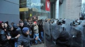 KOSOVA'DA OTORİTER REJİME DOĞRU GİDİŞ