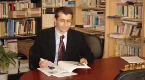 DOÇ. DR. HAKKI UYAR'LA TÜRK SİYASAL HAYATI ÜZERİNE MÜLAKAT