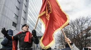 KOSOVA'DA HALK MUTSUZ