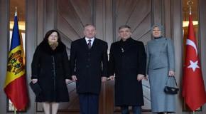 CUMHURBAŞKANI GÜL: TÜRK İŞADAMLARI MOLDOVA'YA YATIRIM YAPSIN